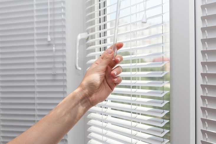 How To Keep Your Air Conditioning Costs Down When You are Inside